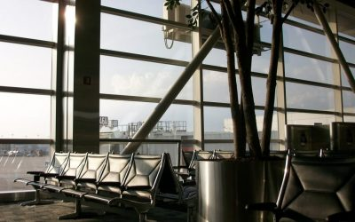 airport-432527_1920